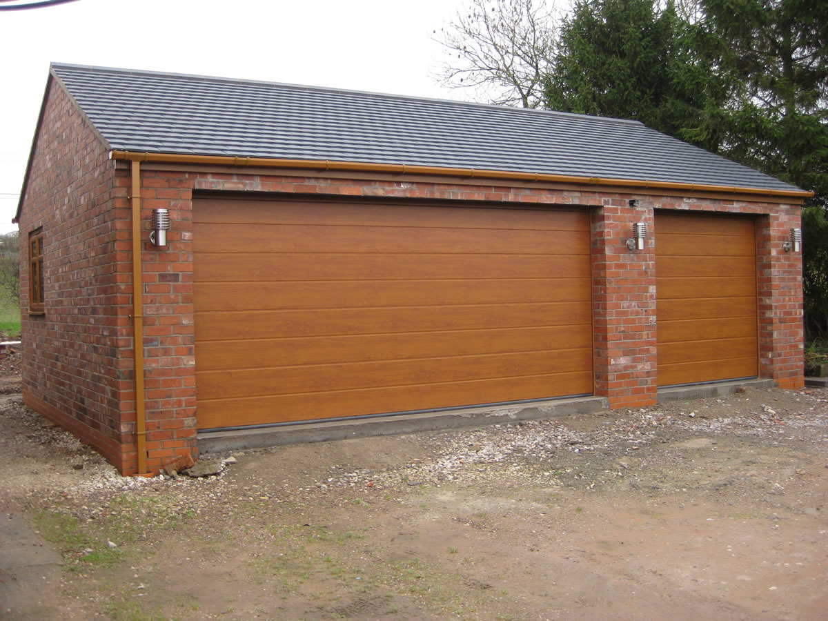 a double garage with combined workshop cheddleton staffordshire. Black Bedroom Furniture Sets. Home Design Ideas